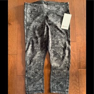 Lululemon pace rival NWT
